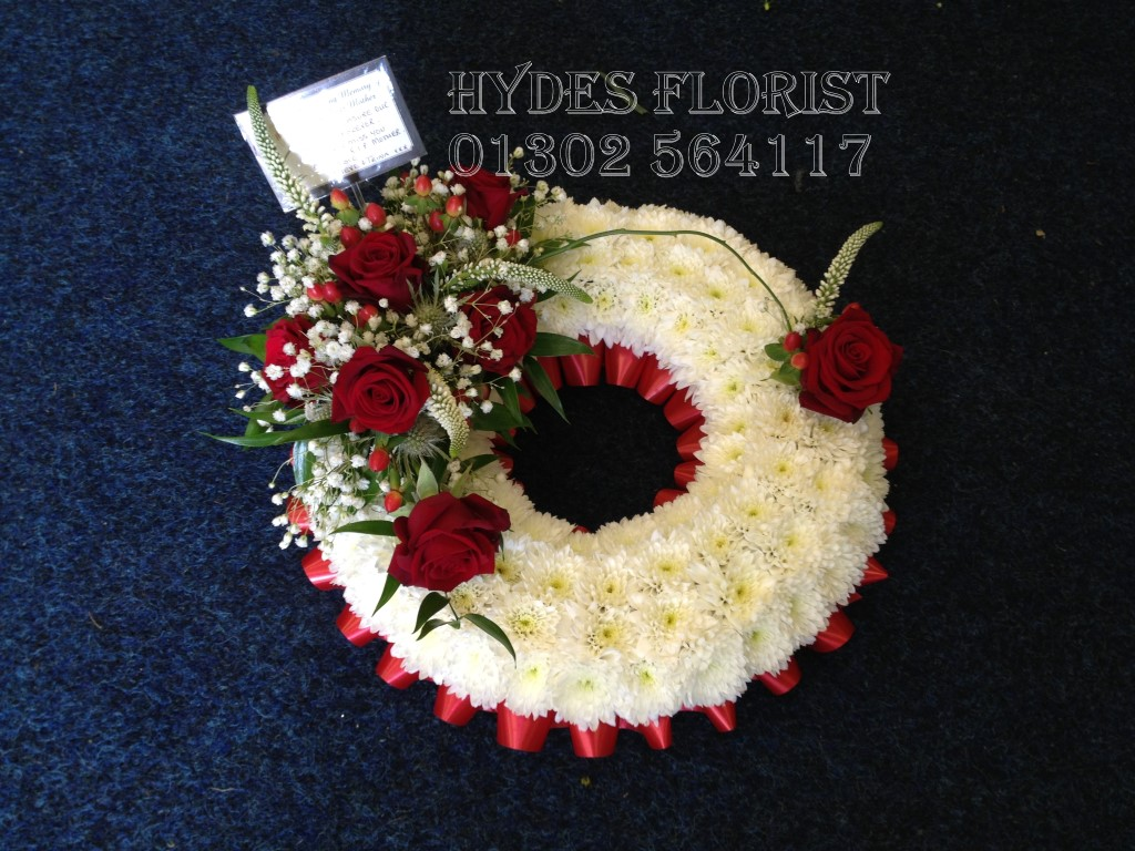 Hydes florist bespoke funeral tributes gallery hydes florist wreath mum funeral izmirmasajfo Choice Image