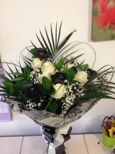 aqua boxed roses £50